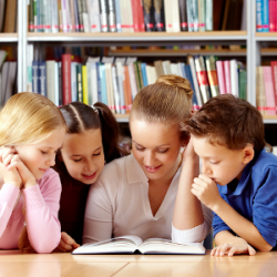 copii-la-biblioteca